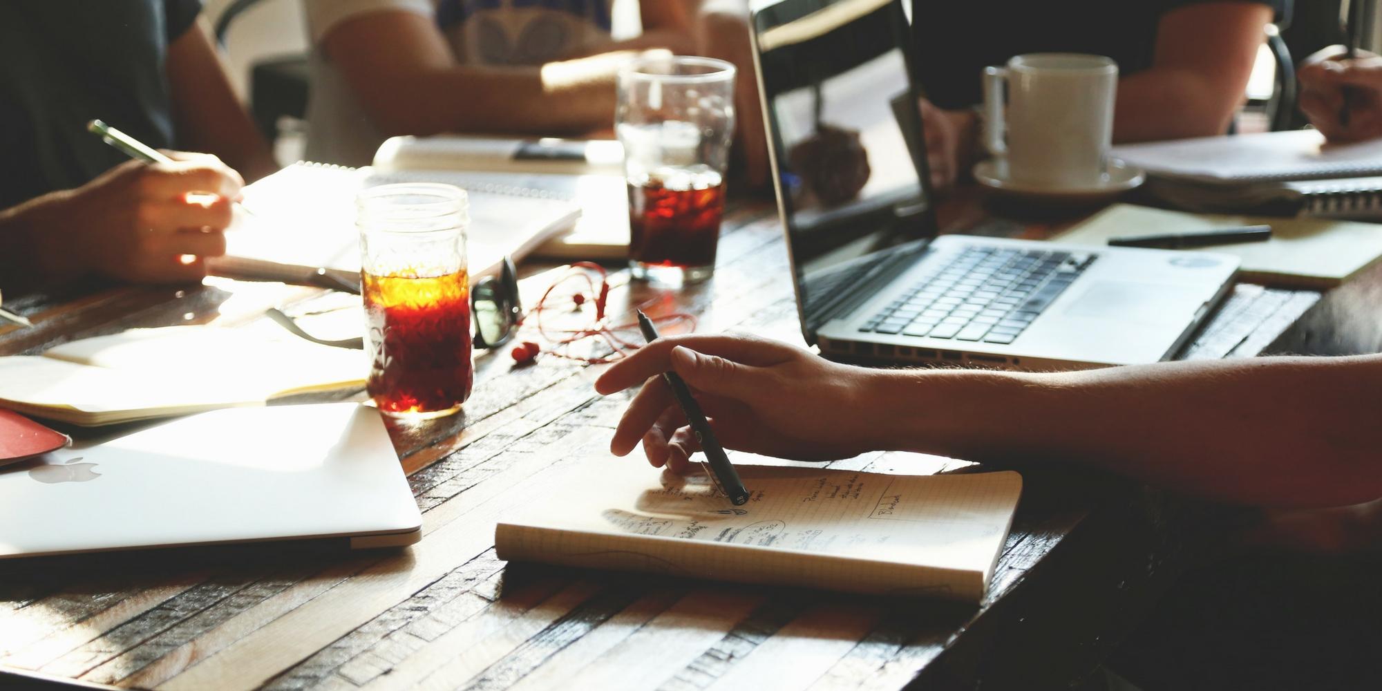 Acuerdo del FEI con Deloitte Digital y KEA para formar a intermediarios financieros